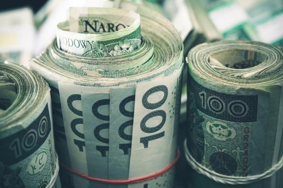 Zwitek banknotów 100 pln