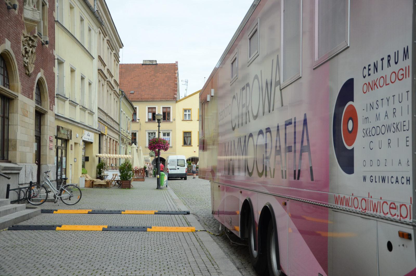 Wóz do mammografii cyfrowej