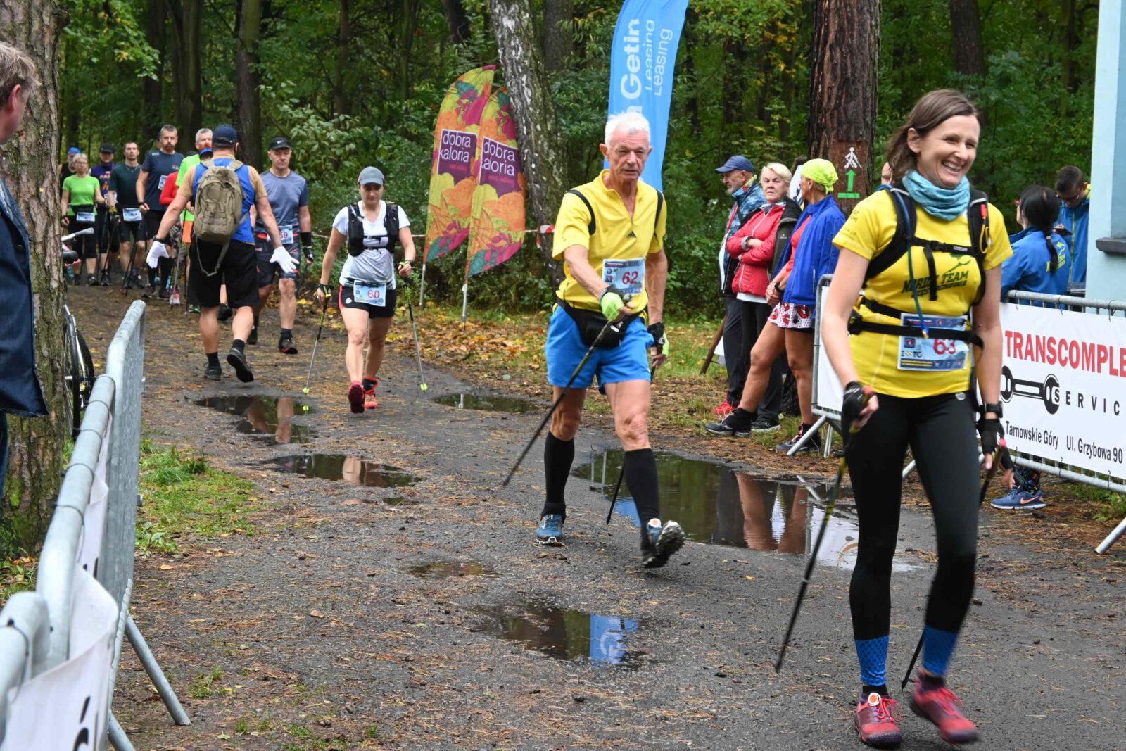 Grupa zawodników - Zawody Nordic Walking
