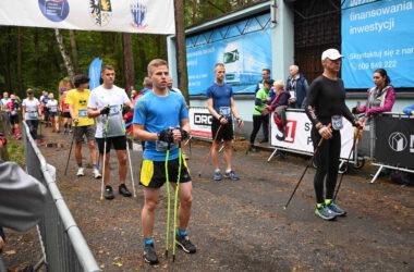 Zawodnicy przed startem do wyścigu