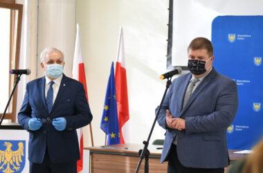 Burmistrz Arkadiusz Czech i wicemarszałek Wojciech Kałuża
