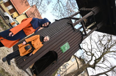Nowy dzwon na tarnogórskiej Dzwonnicy Gwarków - gwarkowie z SMZT