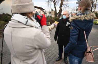 Odsłonięcie 8. figury gwarka w Tarnowskich Górach. Burmistrz Arkadiusz Czech i lokalne media