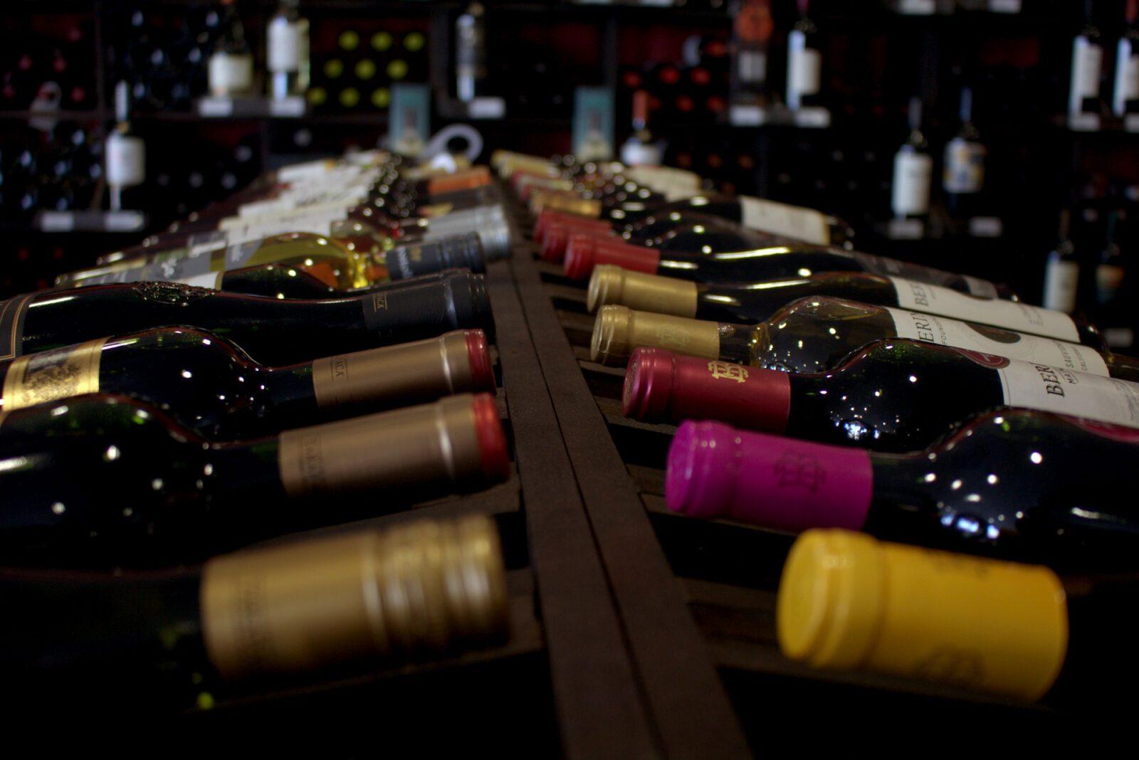 Regał z winem