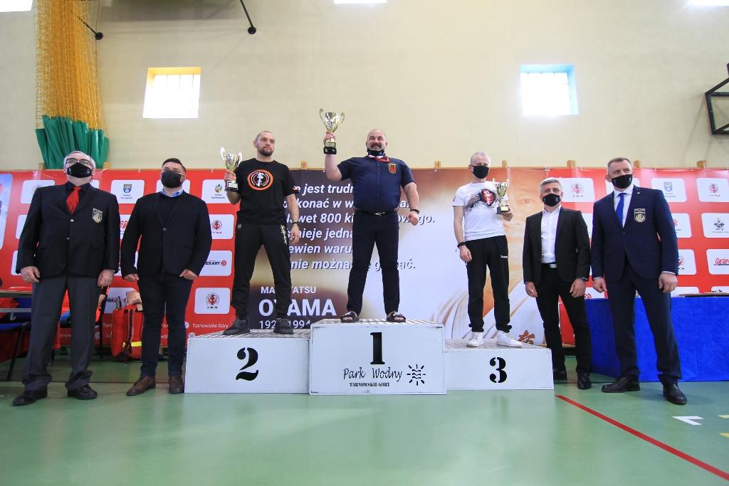 Tarnogórscy karatecy z medalami