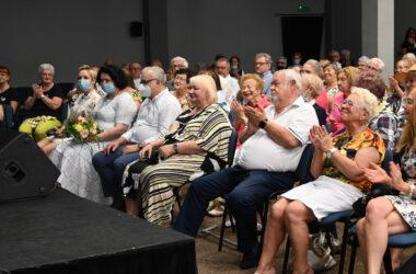 Burmistrz Tarnowskich Gór Arkadiusz Czech wśród publiczności