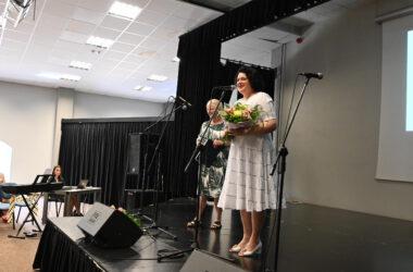 Na scenie Pani Barbara Dziuk z Panią Magdaleną Latacz
