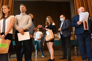 Laureaci IX Powiatowego Konkursu Ekologicznego 2021