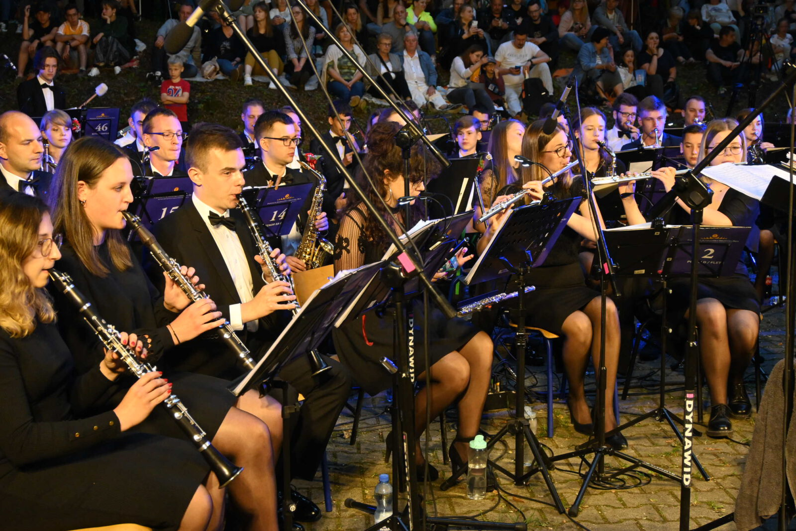 Muzycy Parafialnej Kamiliańskiej Orkiestry Dętej w trakcie koncertu