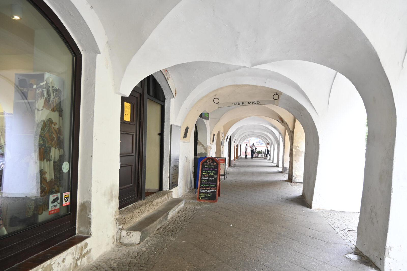 Widok na podcienia w Tarnowskich Górach.